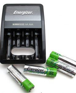 Bộ Sạc Pin Energizer Kèm 4 Pin 2000mAh